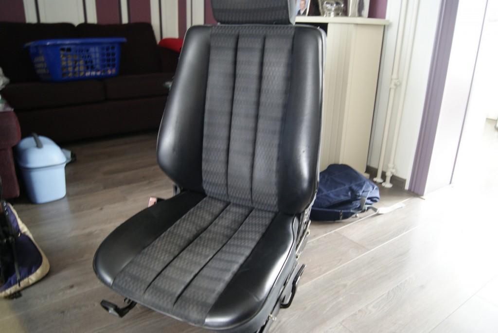 Stoel Te Koop : Te koop: stoelen achterbank armsteun en cassettedeck w201