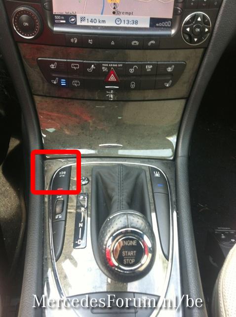 W211 E500 Rood Driehoek Lampje Knippert Mercedesforum Nl Be