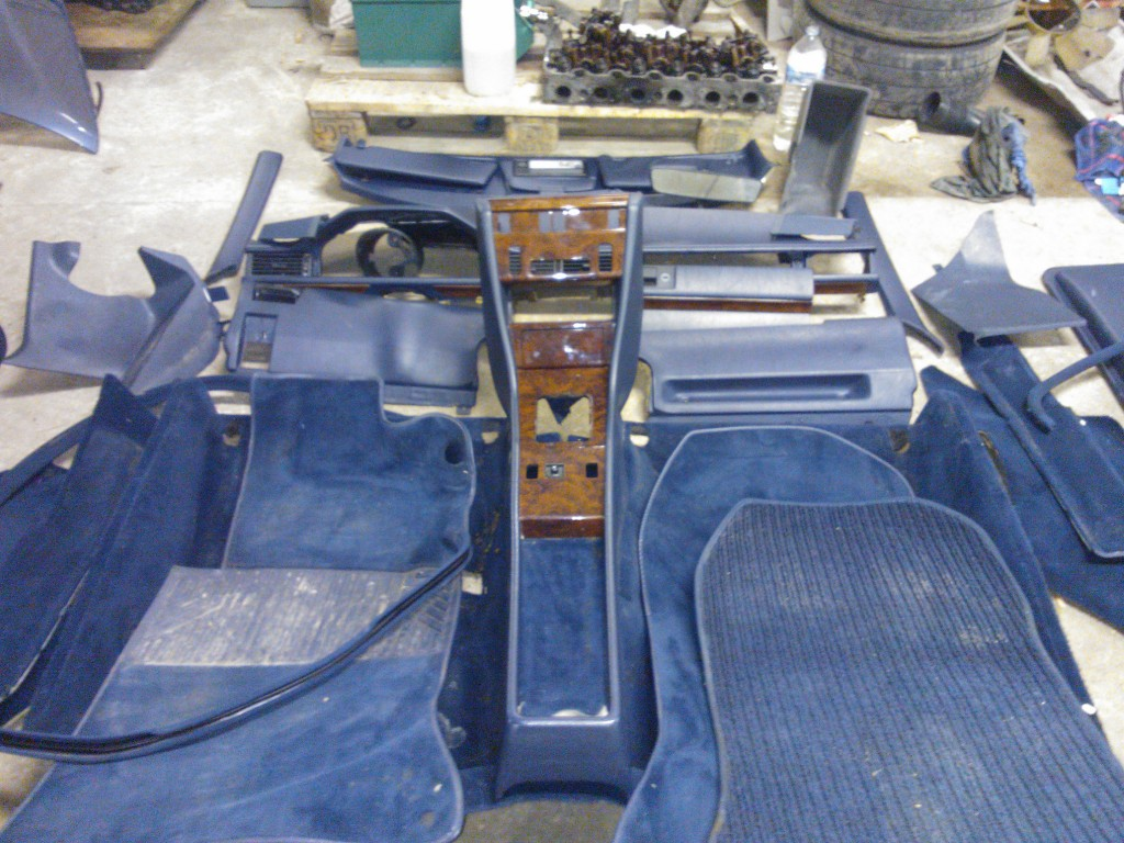W124 coupe leder interieur !!COMPLEET!! - MercedesForum.nl/be