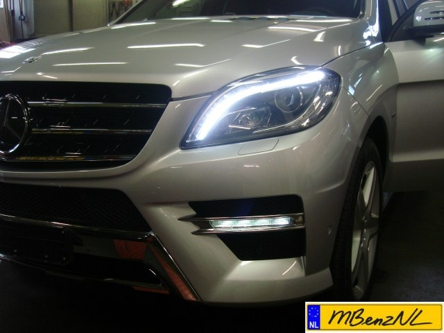 2012 W166 ML350 voorzien van Intelligent Light System ...